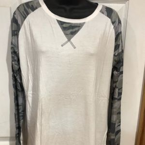 Women's Boutique Top camouflage sleeves